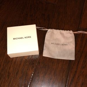 Michael Kors Accessories - Gift box 📦